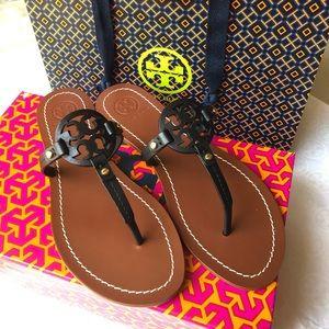 Tory Burch Gabriel veg leather sandal 7.